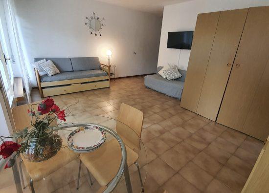 appartamento-con-balcone-alto-lago-di-como-23_1