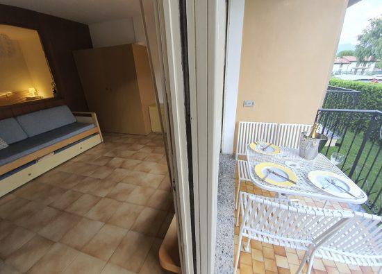 appartamento-balcone-arredato-residence-geranio-domaso-06