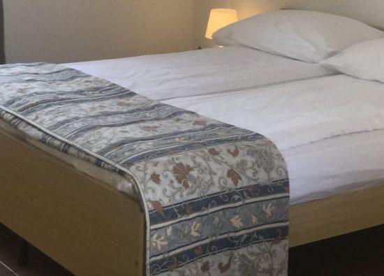 camera-matrimoniale-trilocale-residence-geranio-10