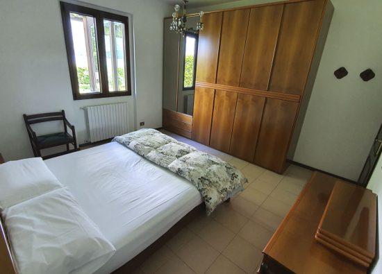 bedroom-villa-lake-view-como