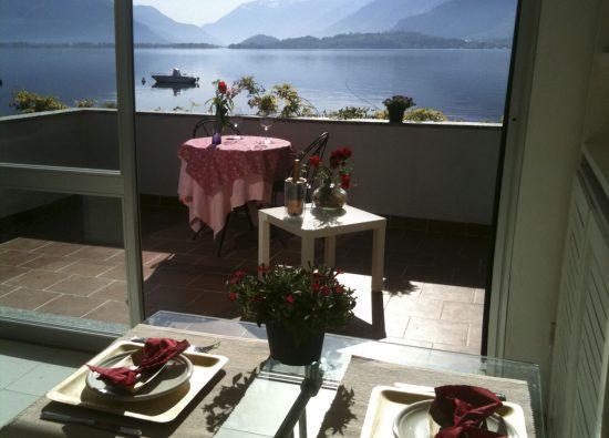 casa-portofino-balcone-vista-lago-20