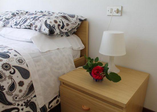 letto-matrimoniale-residence-geranio-13