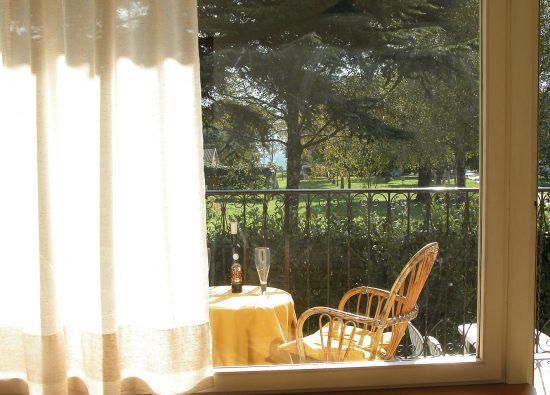 monolocale-balcone-giardino-lago-como-10