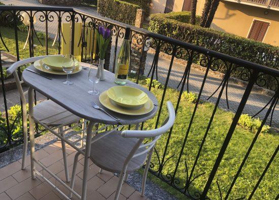 monolocale- balcone-residence-domaso-14