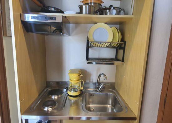 monolocale-cucina-residence-geranio-06