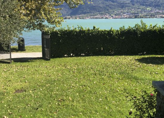 villa-lake-front-como