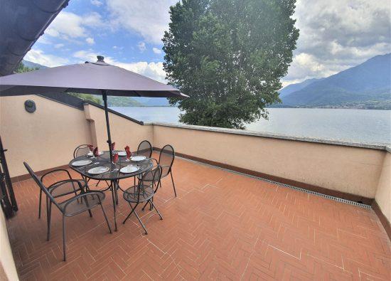 villa-with-terrace-lake-view-como