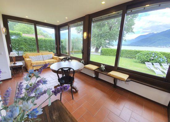 holiday-home-villa-with-winter-garden-lake-como