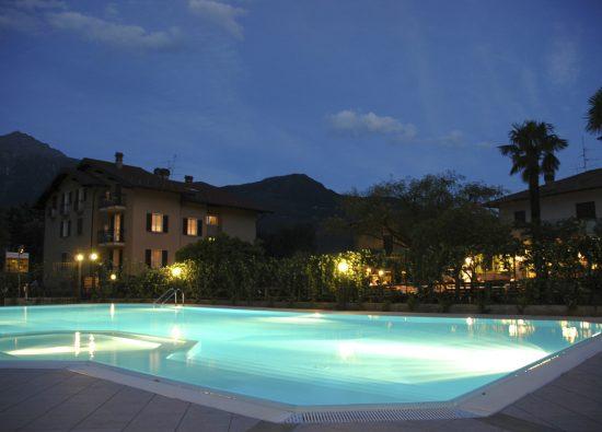 hotel-piscina-lago-como-08